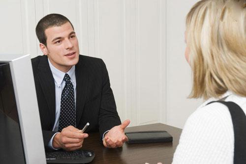 面试时,HR问家庭情况,该怎么回答?